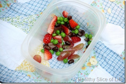 munchkin meals picnic- fruit and beans