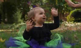 Halloween-baby-alien-high-five.jpg
