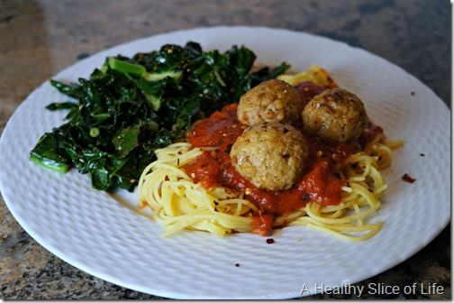 visual meal plan- turkey meat balls over quinoa pasta with sauteed kale