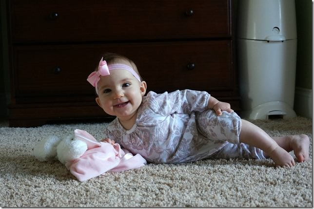 kaitlyn- 5 months- pose