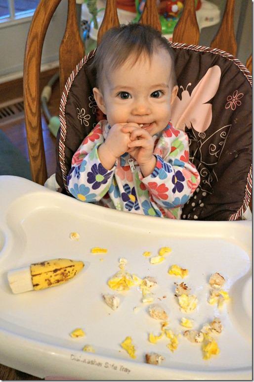 baby-led-weaning-banana_thumb.jpg