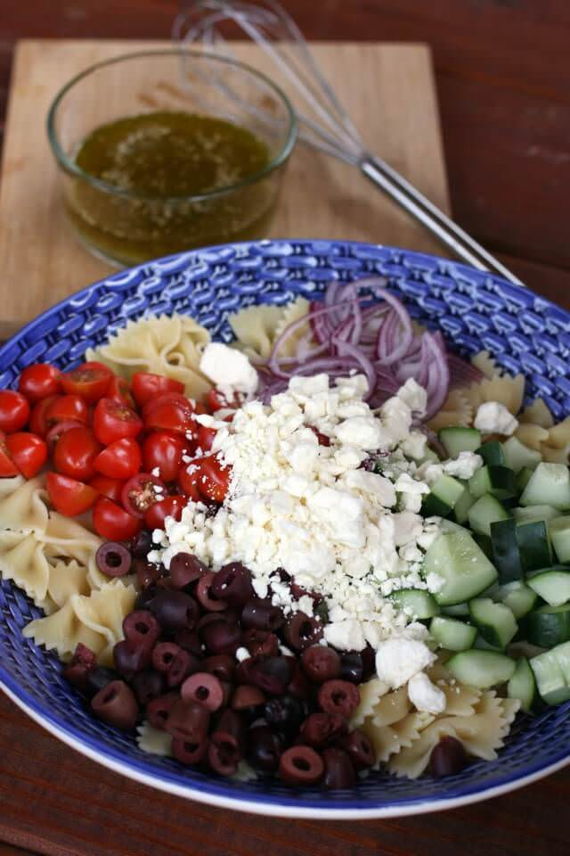 simple greek pasta salad- dressing