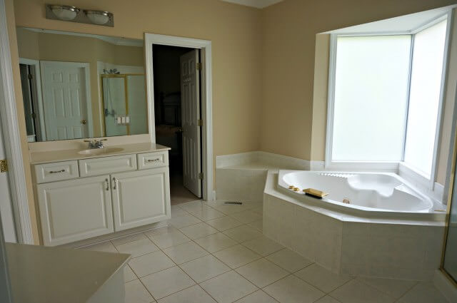 master bath renovation- before- 3