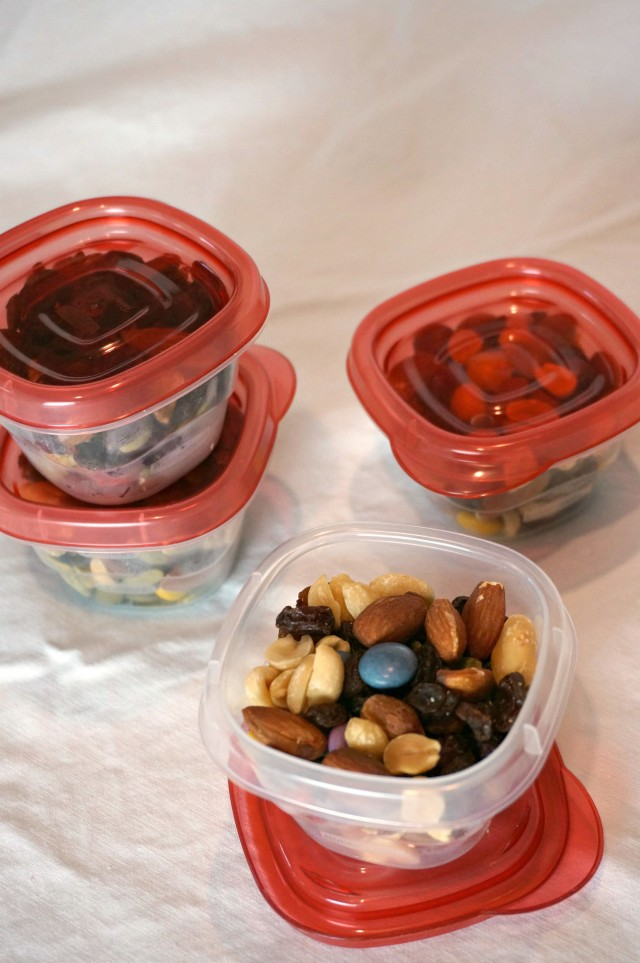 healthy road trip favorites- personalized road trip snack mixes