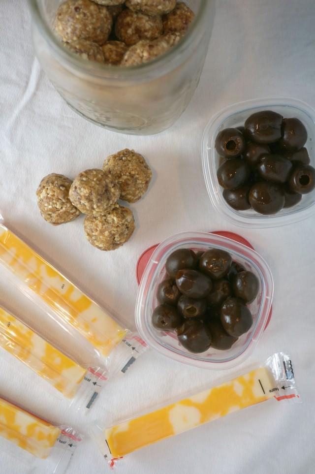 healthy road trip favorites- satiating snacks