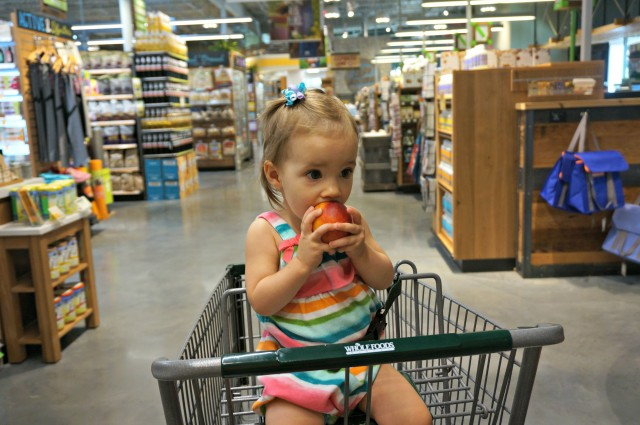 how much should a 14 month old eat- snack 1