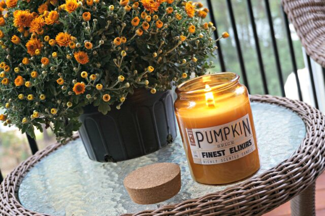 friday favorites- pumpkin spice candle