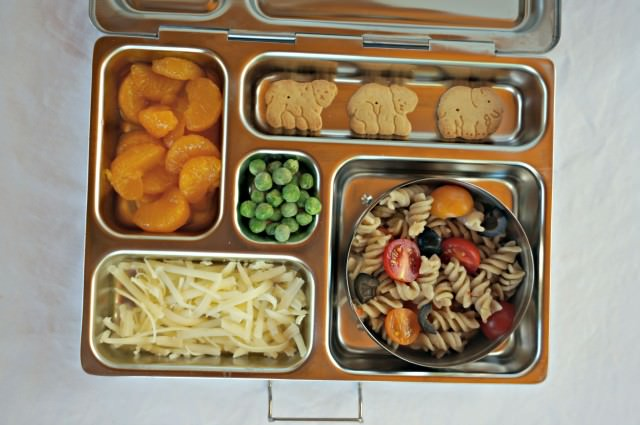 healthy young toddler packed lunch- munchkin meals- 3