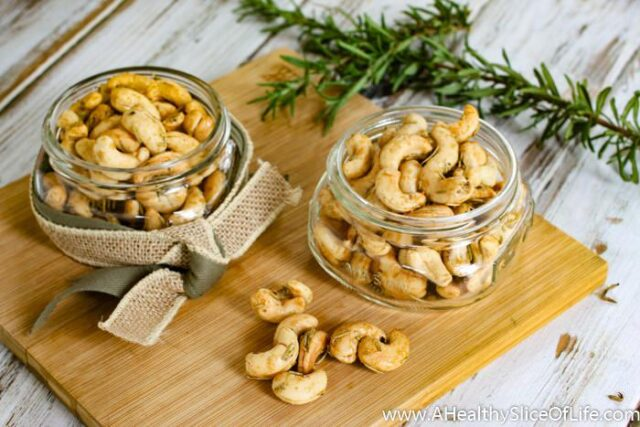sweet and spicy rosemary cashews- 2