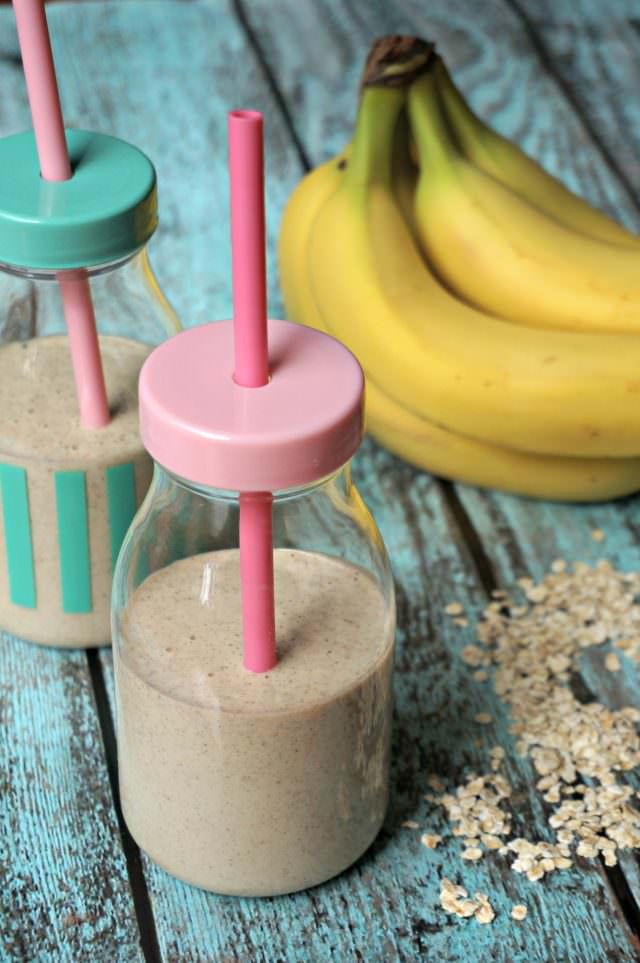 honey banana oat smoothie for kids- 4