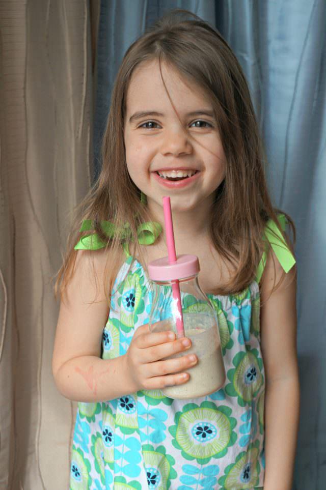 honey banana oat smoothie for kids- 5
