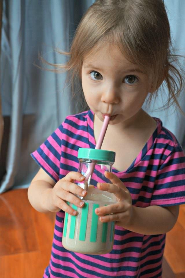 honey banana oat smoothie for kids- 6