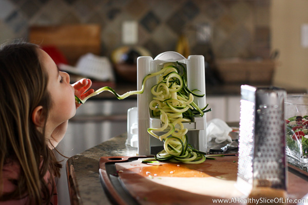 5 year old eating zoodles