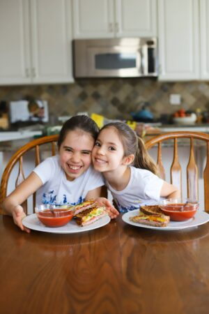 girls eating soup and sandwich